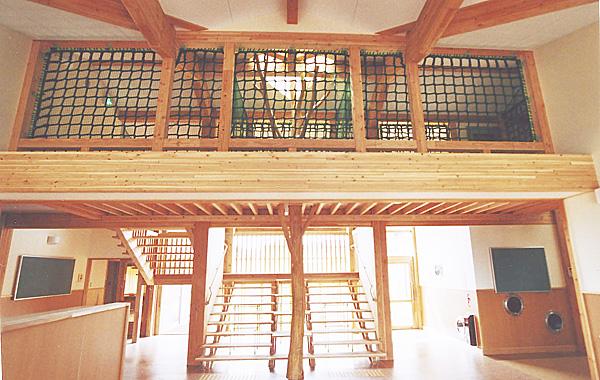 木造建築の施工事例:南砺市立福光児童館 きっずらんど 2枚目