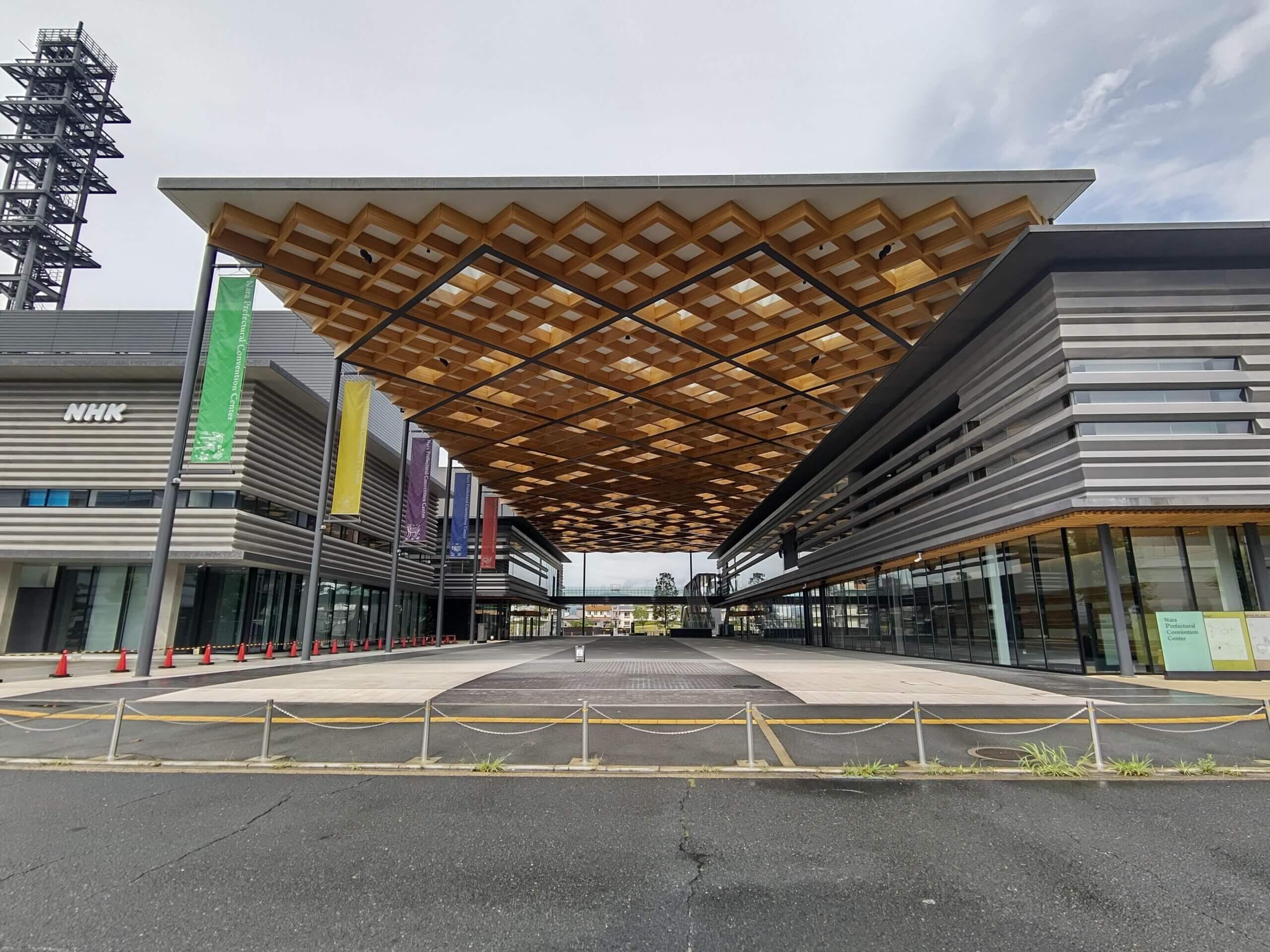 木造建築の施工事例:奈良県コンベンションセンター 2枚目