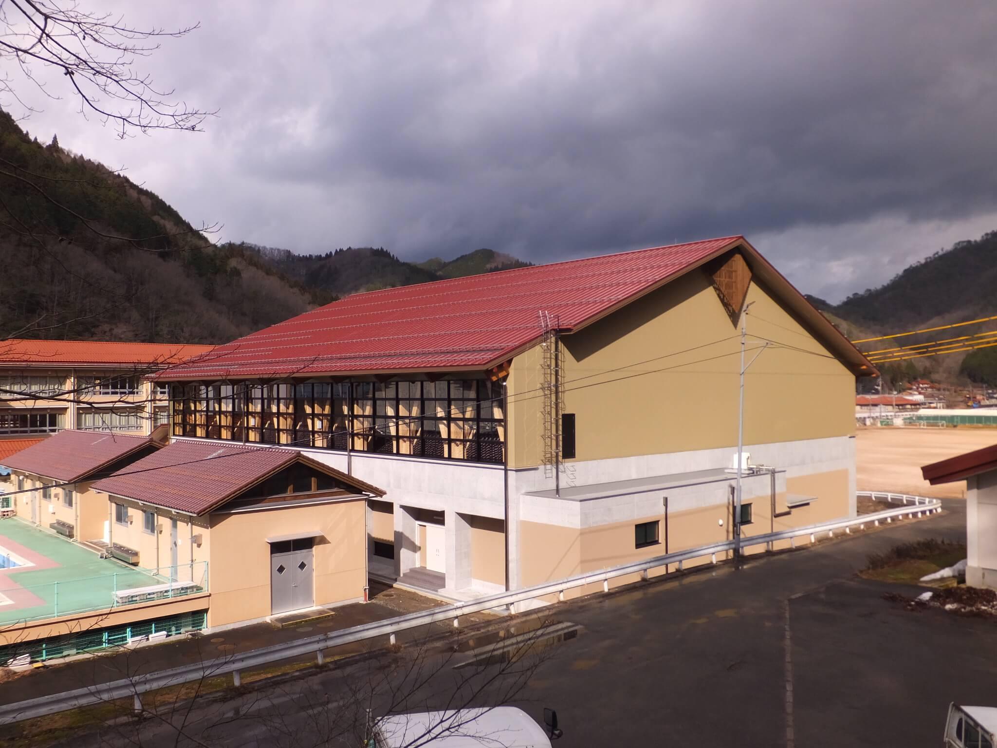 木造建築の施工事例:日南町体育館 2枚目