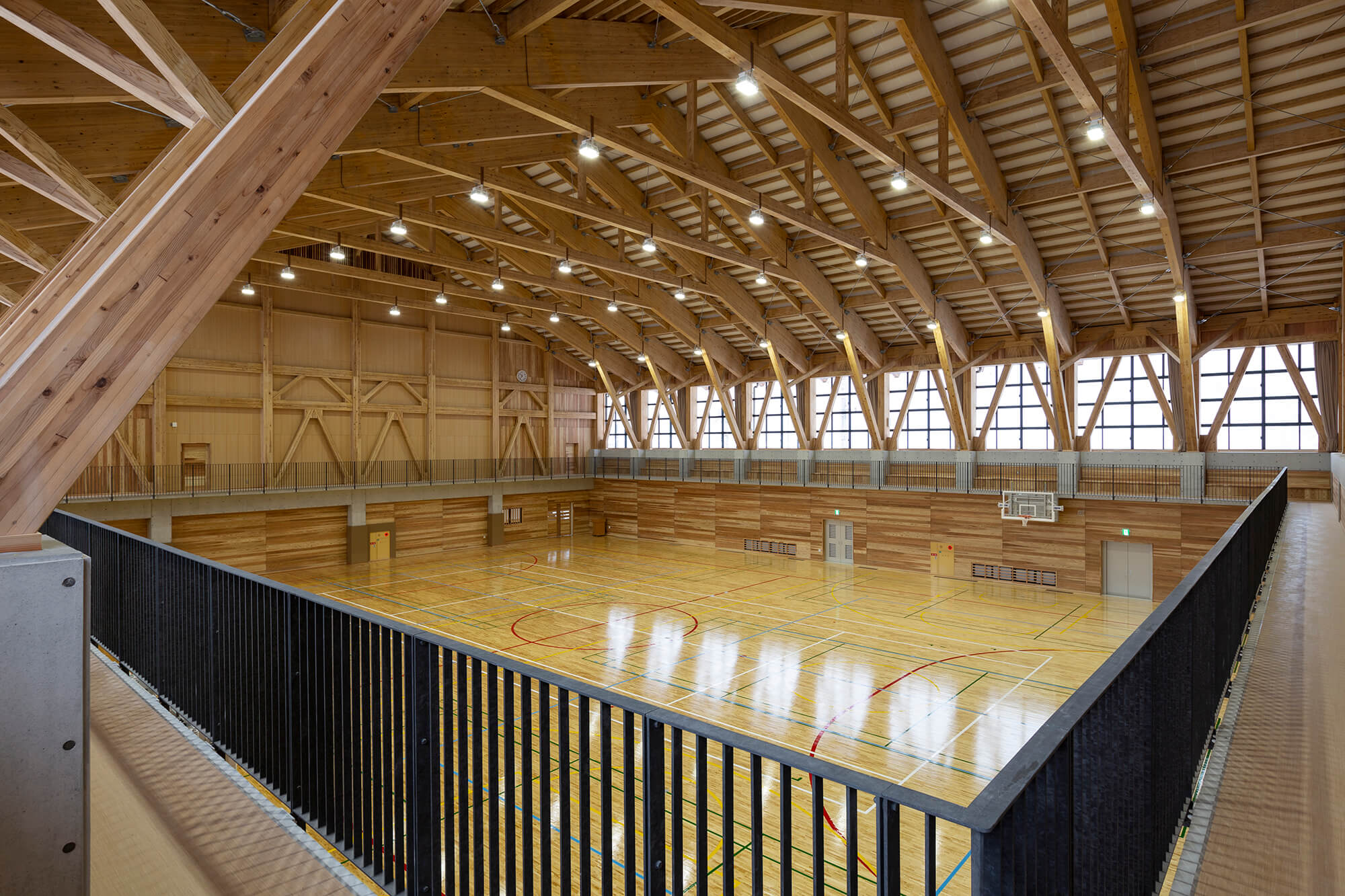 木造建築の施工事例:日南町体育館 4枚目