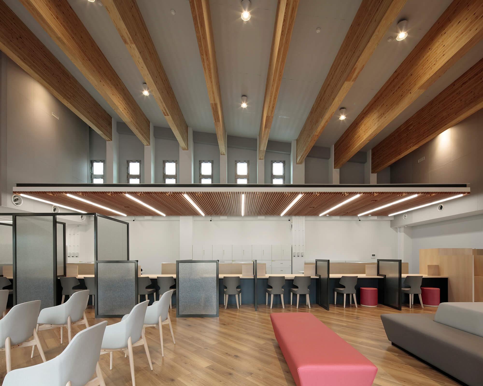 木造建築の施工事例:琉球銀行 本部支店 5枚目