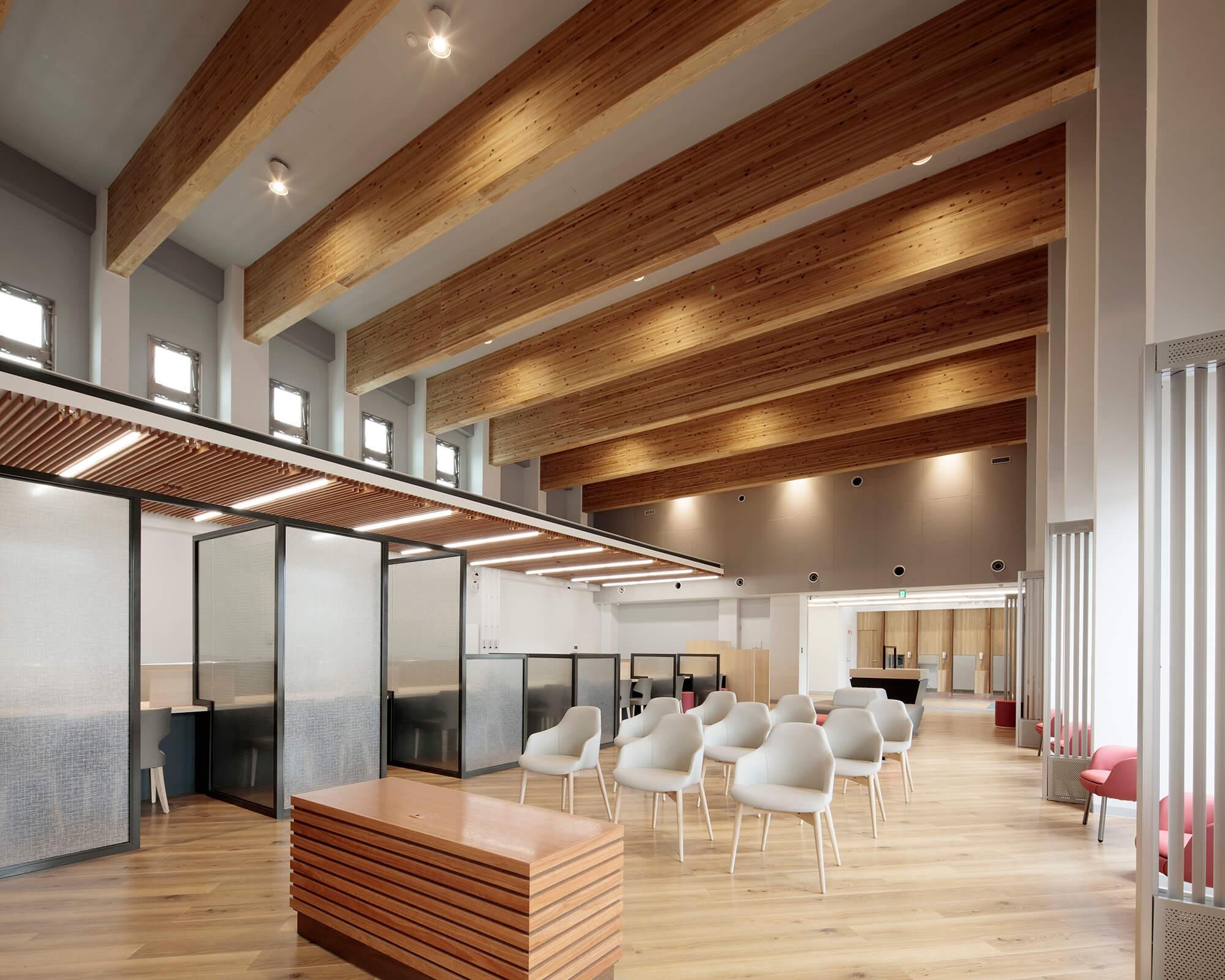 木造建築の施工事例:琉球銀行 本部支店 4枚目