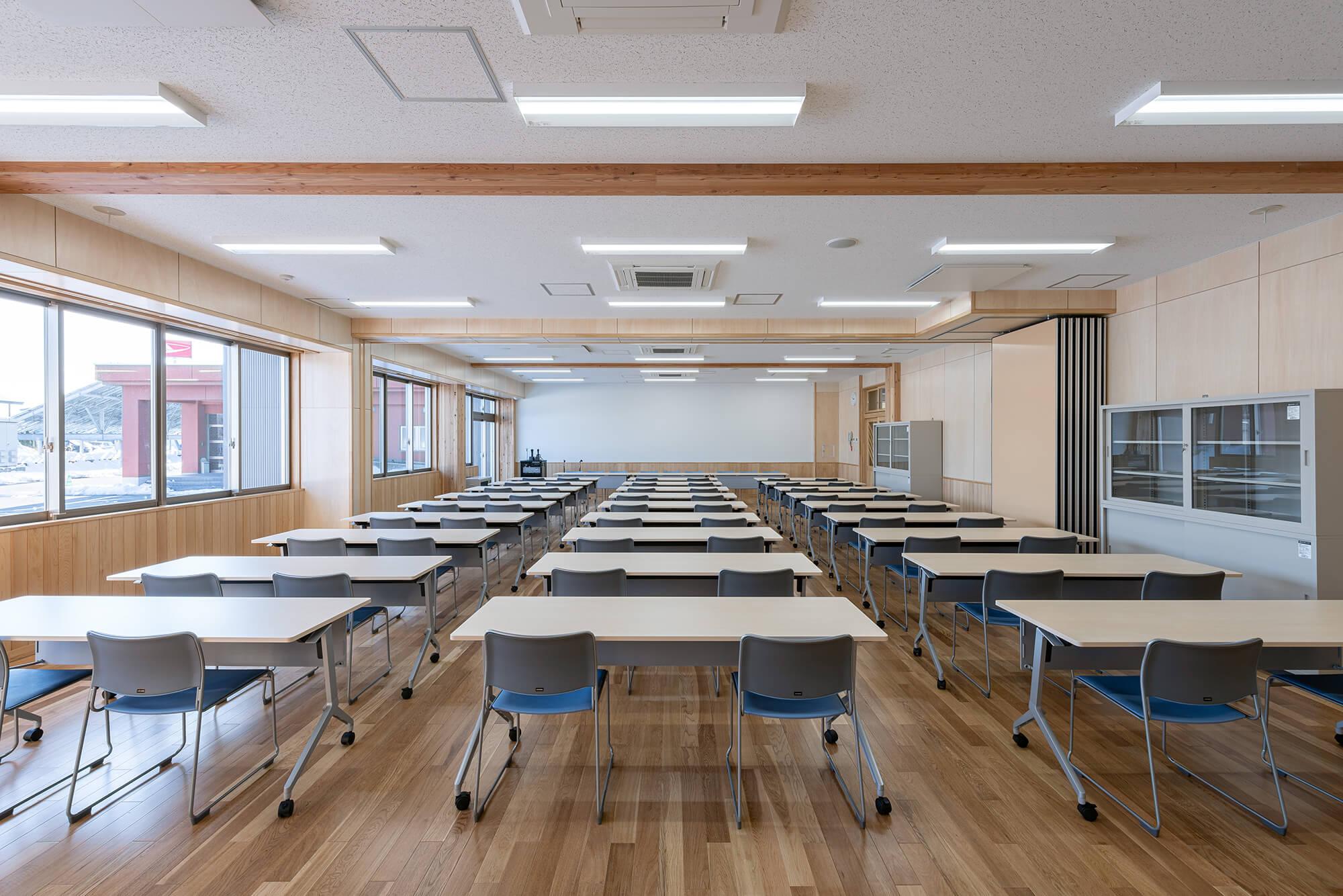 木造建築の施工事例:板柳中学校 9枚目