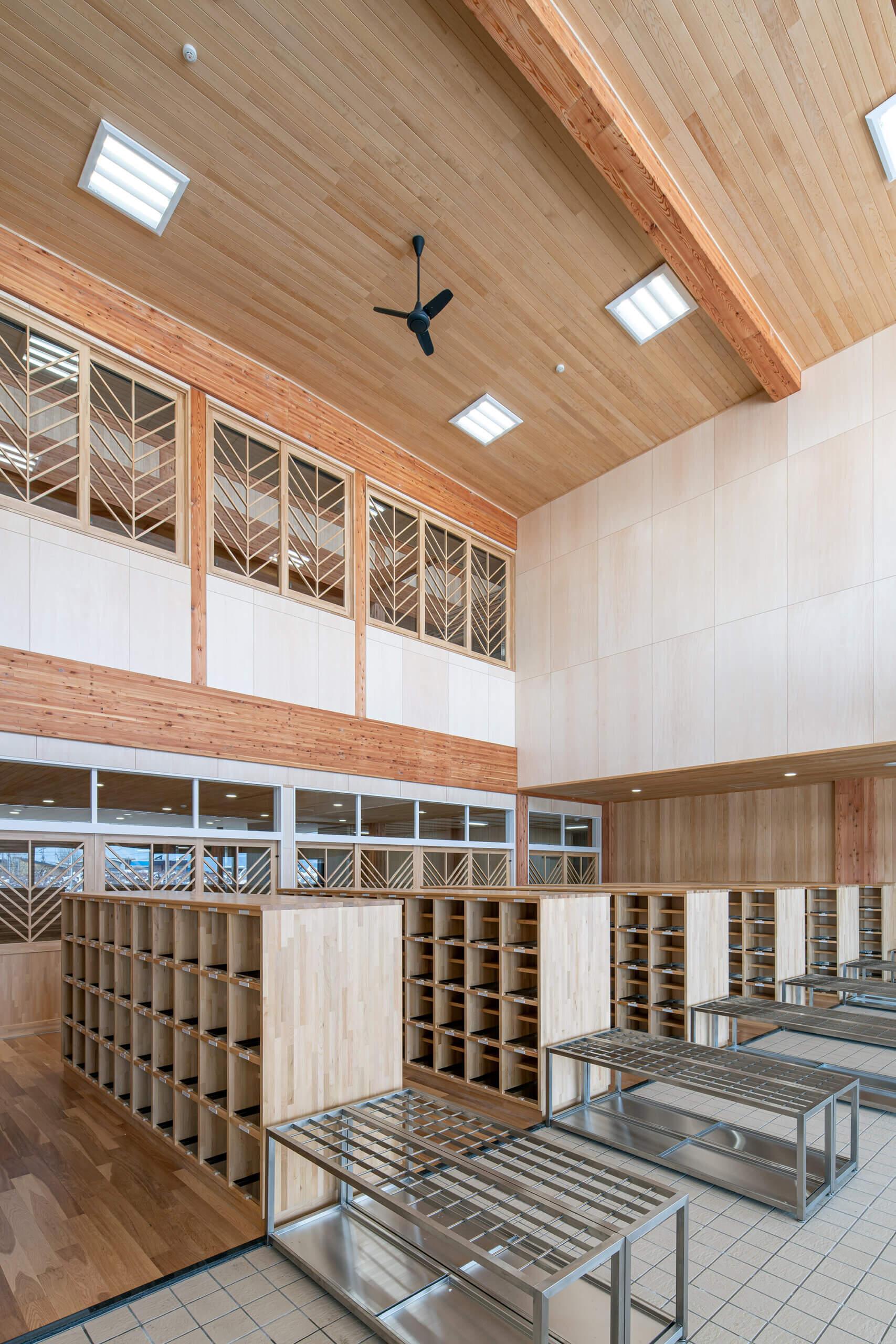 木造建築の施工事例:板柳中学校 7枚目