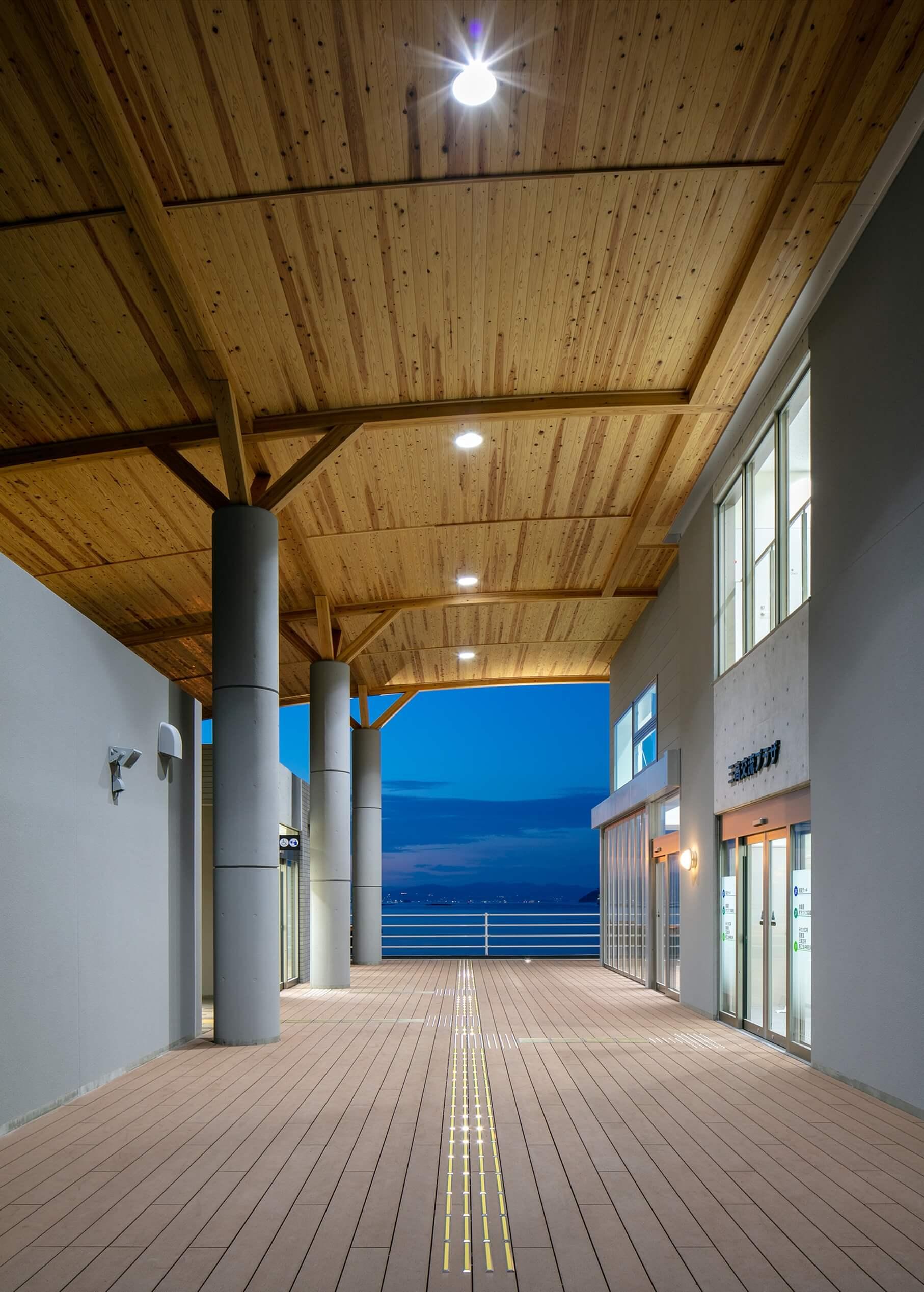 木造建築の施工事例:三高港ターミナル 6枚目