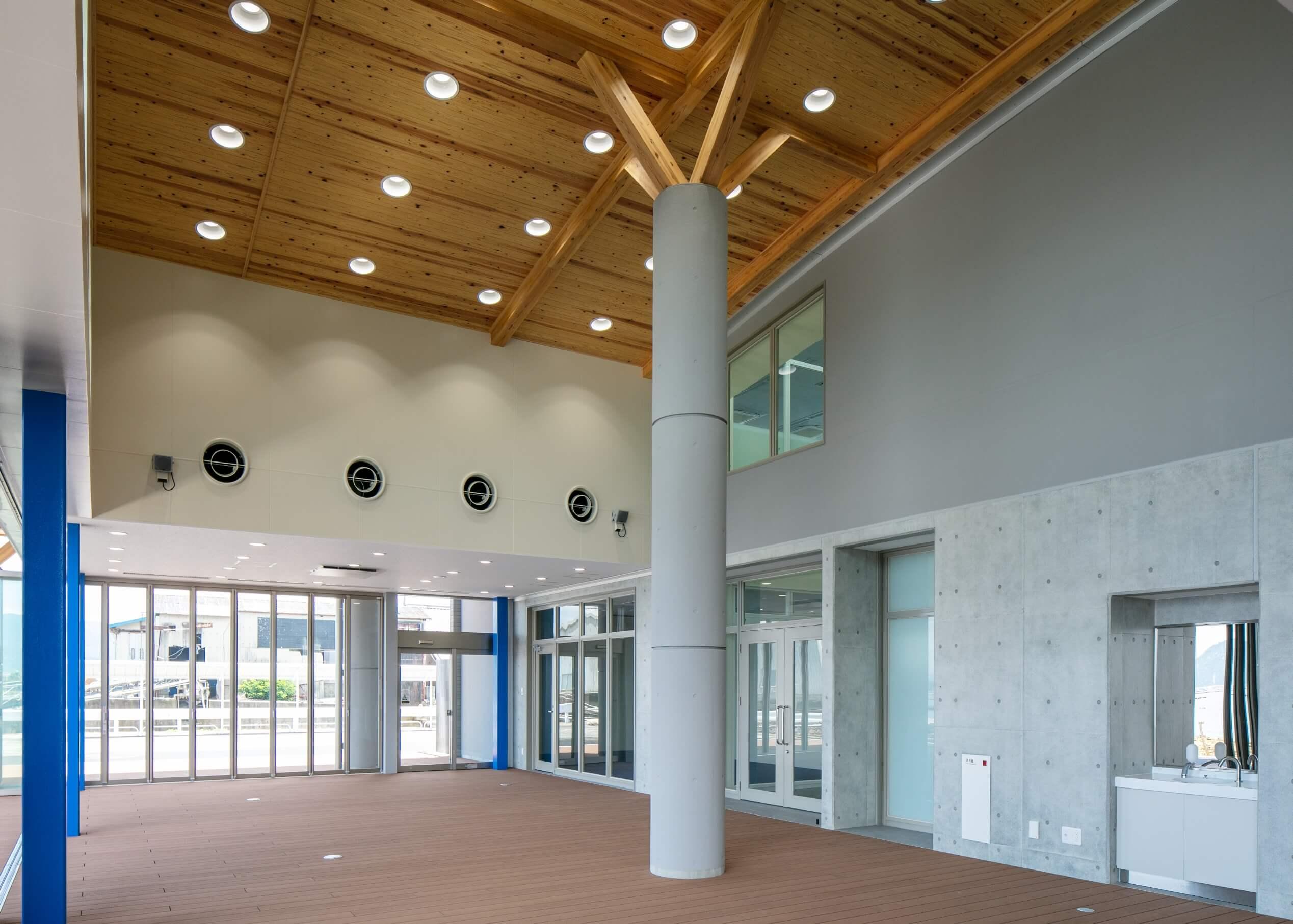 木造建築の施工事例:三高港ターミナル 7枚目