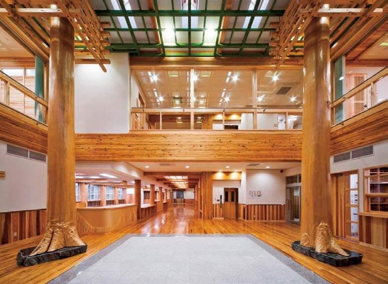 木造建築の施工事例:土佐町役場庁舎 2枚目