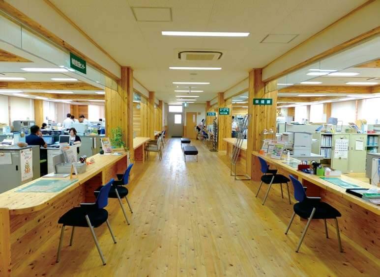 木造建築の施工事例:上天草松島庁舎兼保健センター 3枚目