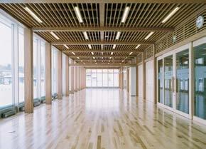 木造建築の施工事例:北見市民温水プール 3枚目