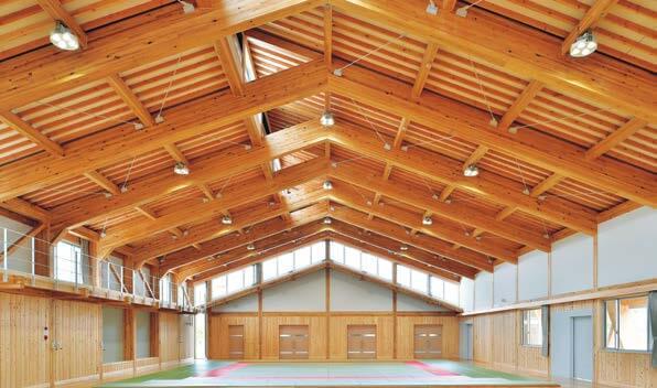木造建築の施工事例:菰野町立八風中学校 武道場 3枚目