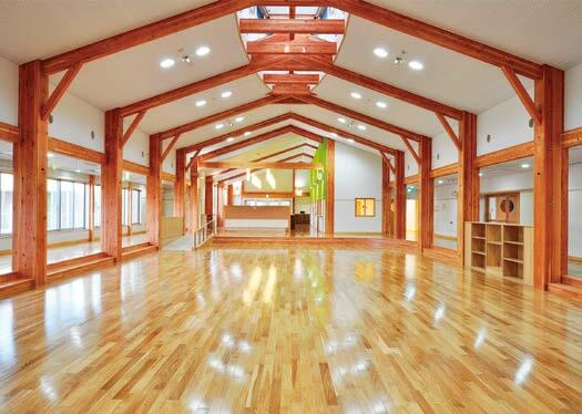 木造建築の施工事例:宝達志水町立相見保育所 2枚目