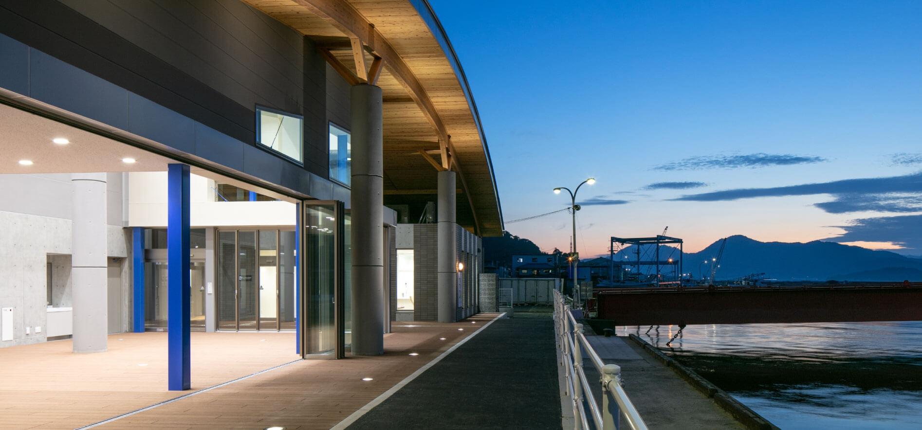 木造建築の施工事例:三高港ターミナル 1枚目